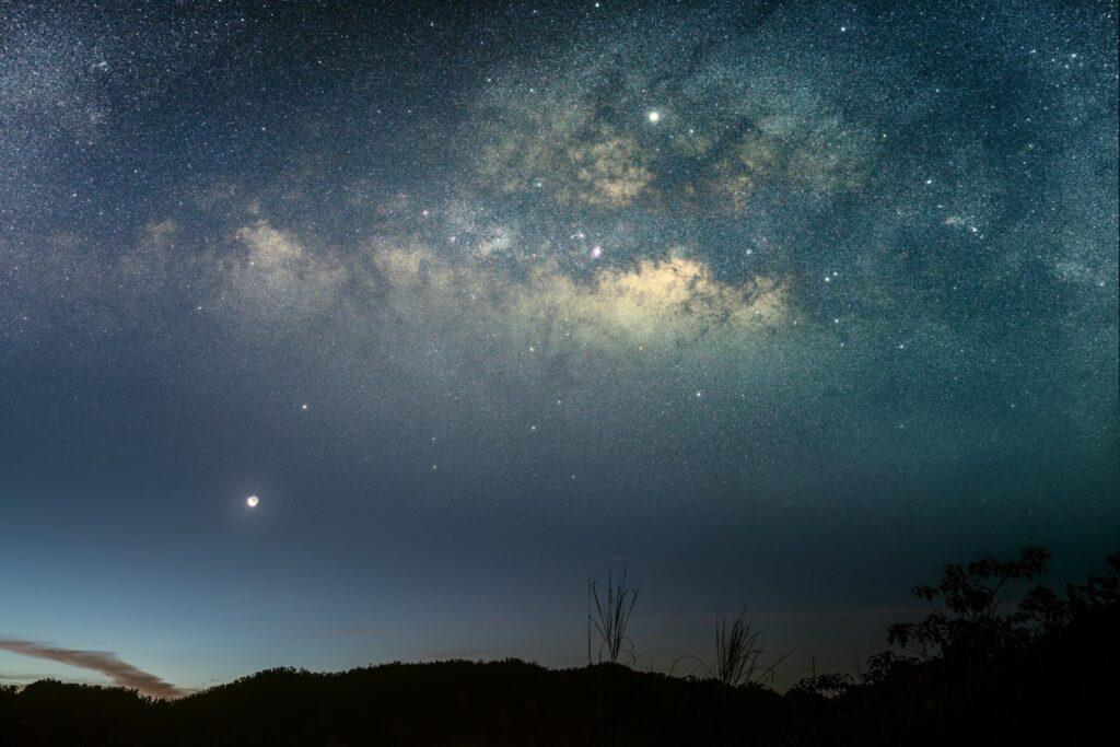 noćno nebo puno zvijezda by alexis-antonio