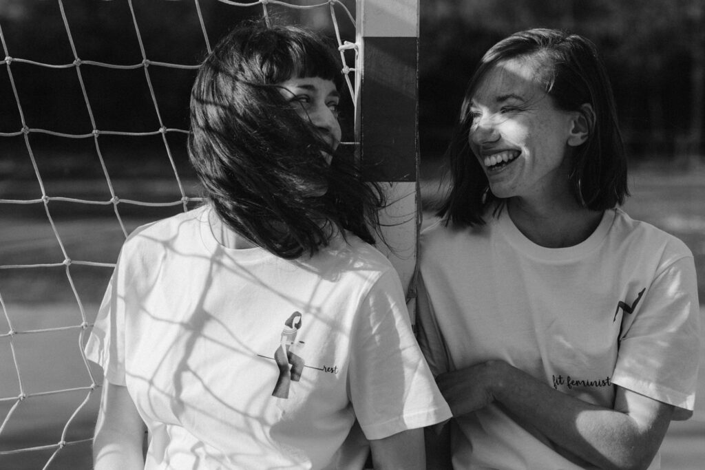 lara žigić t-shirt models laughing