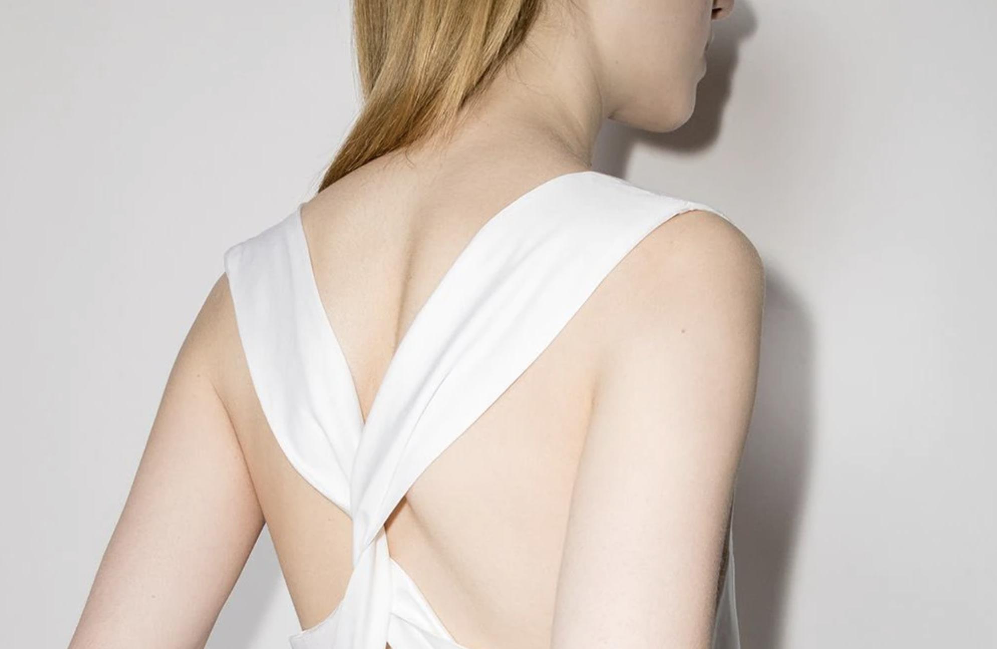 Bijela haljina Farfetch s otvorenim ramenima