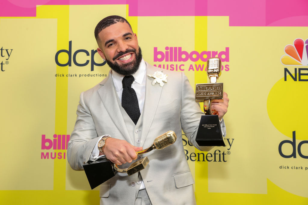 Drake, winner of the Artist of the Decade Award, poses backstage for the 2021 Billboard Music Awards