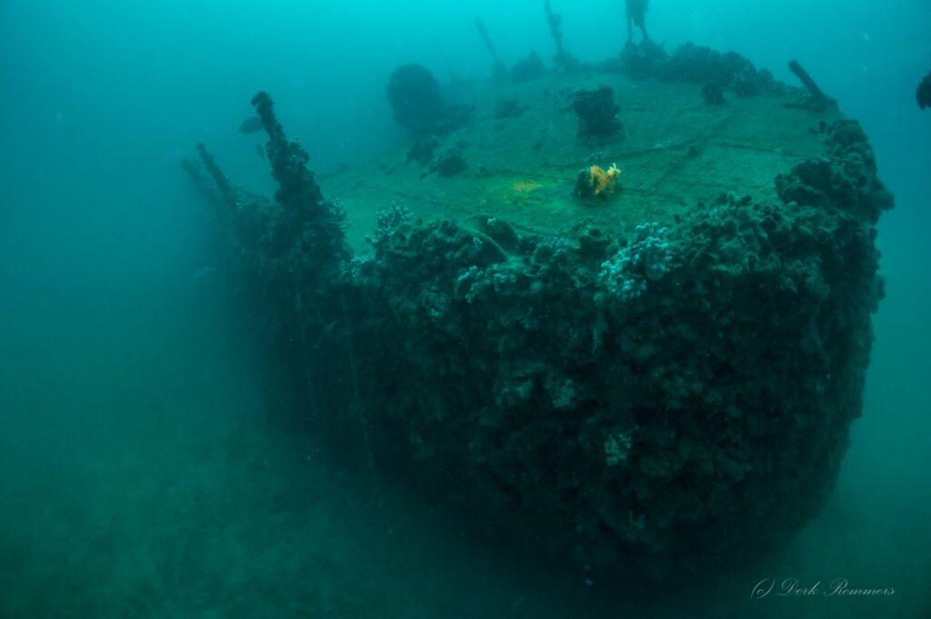 ližnjan potonula krstarica
