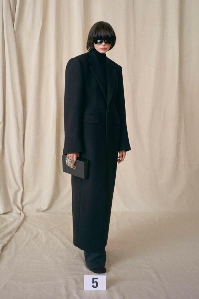 00005-Balenciaga-Couture-Fall-21-credit-brand