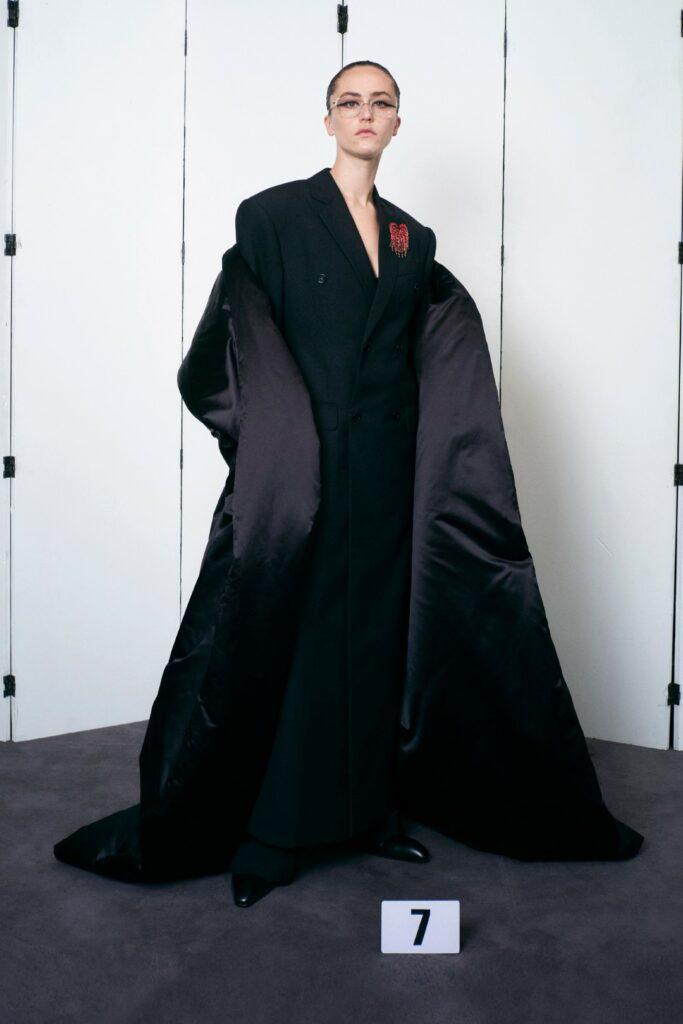 00007-Balenciaga-Couture-Fall-21-credit-brand