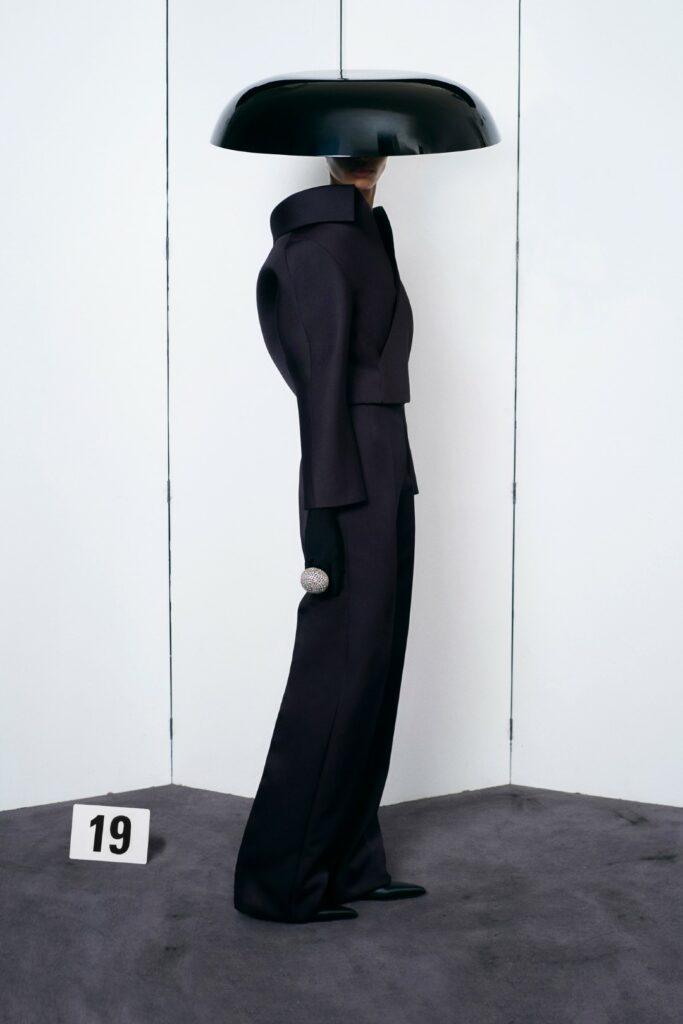 00019-Balenciaga-Couture-Fall-21-credit-brand