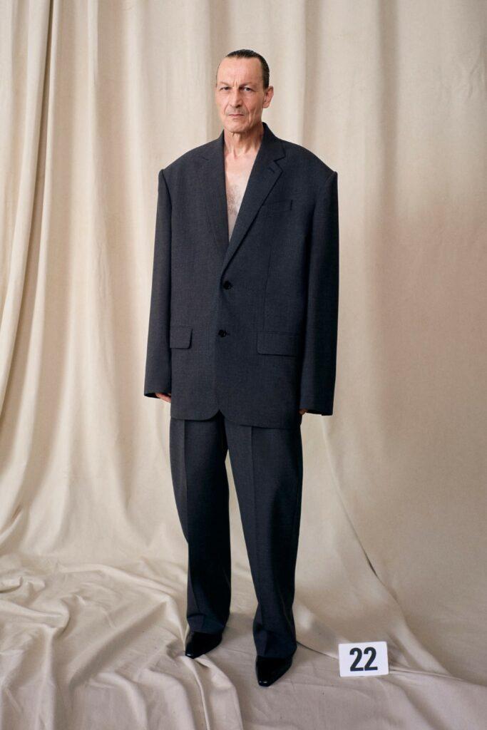 00022-Balenciaga-Couture-Fall-21-credit-brand