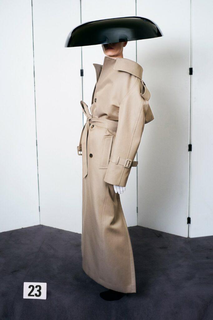 00023-Balenciaga-Couture-Fall-21-credit-brand
