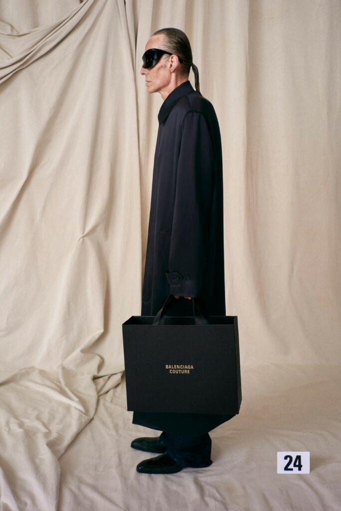 00024-Balenciaga-Couture-Fall-21-credit-brand