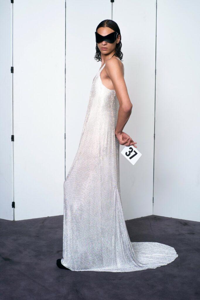 00037-Balenciaga-Couture-Fall-21-credit-brand