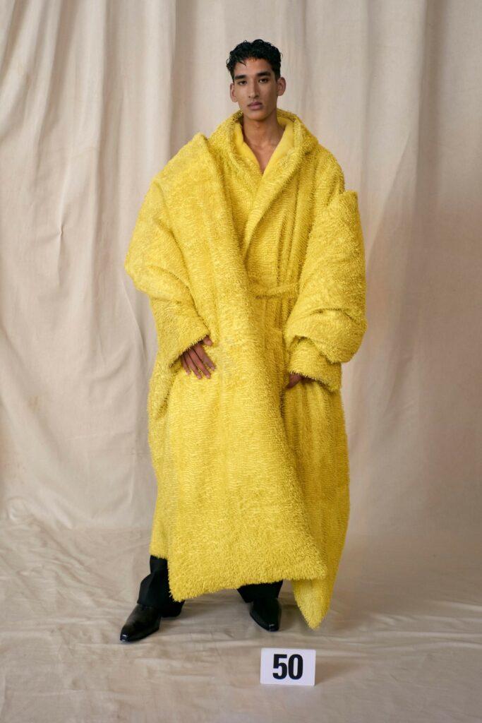 00050-Balenciaga-Couture-Fall-21-credit-brand