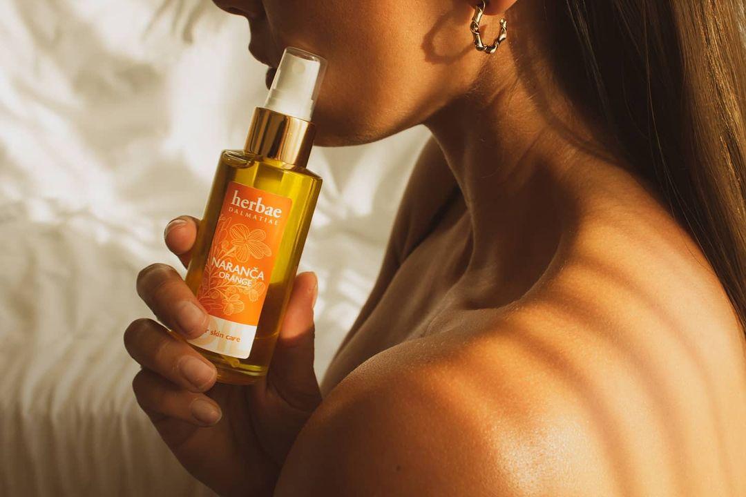 Herbae Dalmatiae , naranča ulje