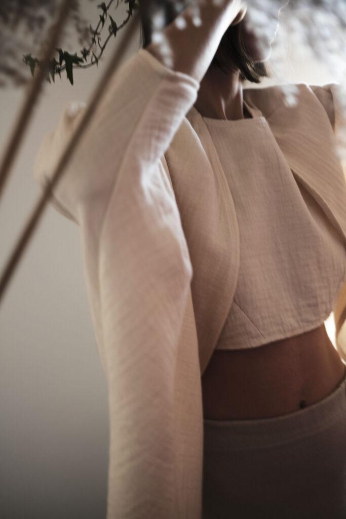 Organski crop top i kimono Institut održive mode