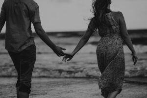 brittani-burns-couple holding hands 1