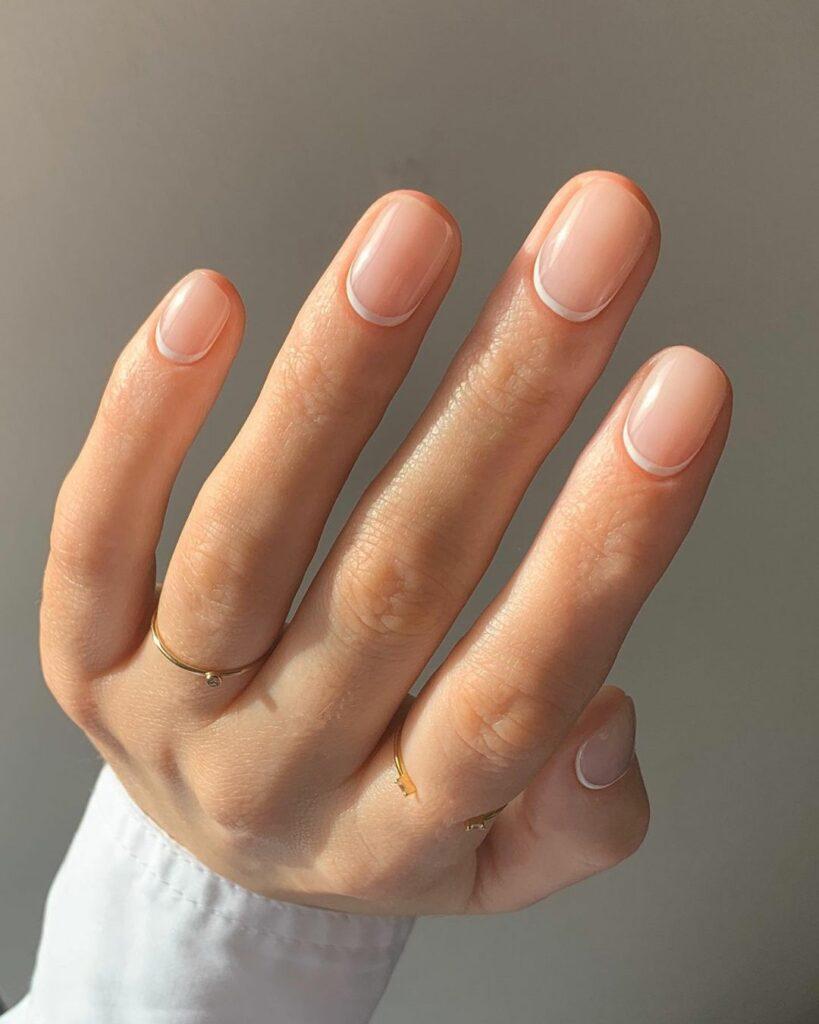 obrnuta french manikura