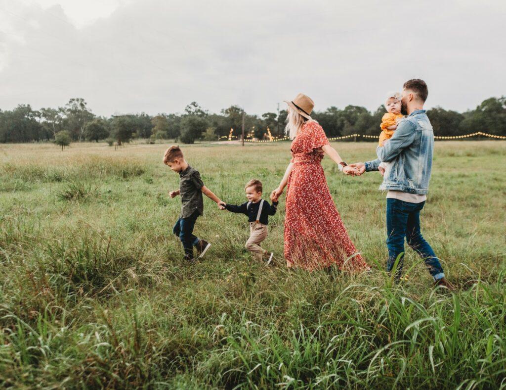 jessica-rockowitz-family taking a walk