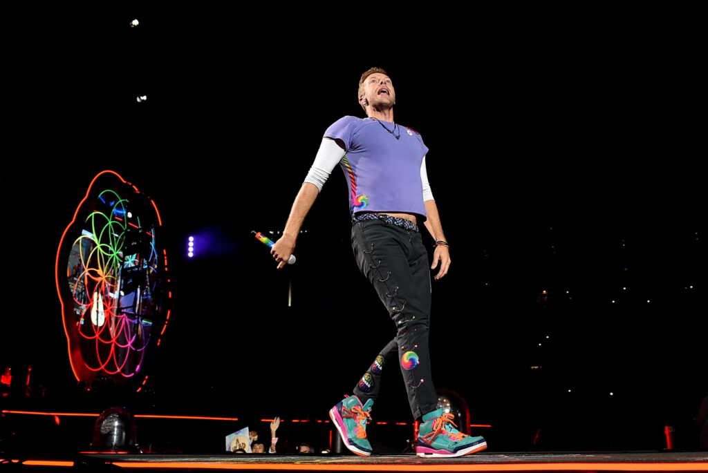 PASADENA, CA - OCTOBER 06: Singer Chris Martin of Coldplay performs at the Rose Bowl on October 6, 2017 in Pasadena, California. (Photo by Kevin Winter/Getty Images)