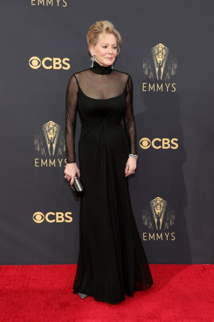 LOS ANGELES, CALIFORNIA - SEPTEMBER 19: Jean Smart, jewelry detail, attends the 73rd Primetime Emmy Awards at L.A. LIVE on September 19, 2021 in Los Angeles, California. (Photo by Rich Fury/Getty Images)