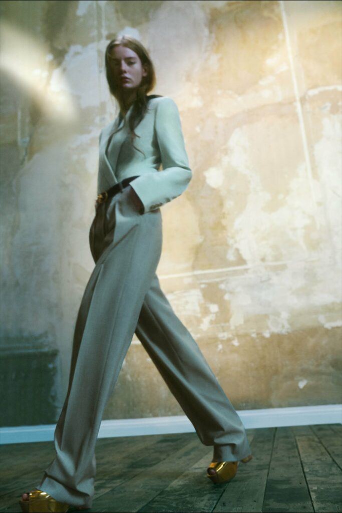 VB_SS22_COLLECTION_PAGE_LOOK_20_1700x