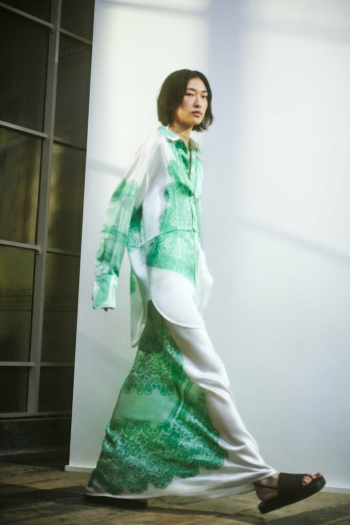 VB_SS22_COLLECTION_PAGE_LOOK_23_1700x