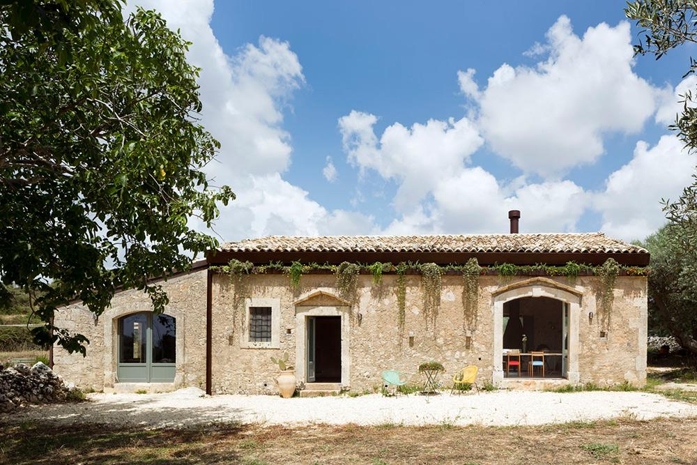 Obnovljena Casa Farfaglia na Siciliji